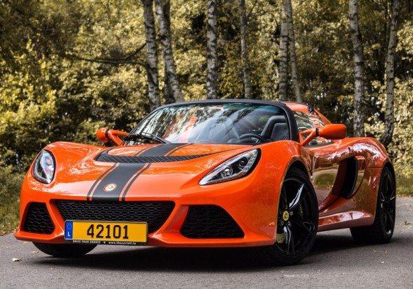 Viki - 2016 Lotus Exige S Roadster front