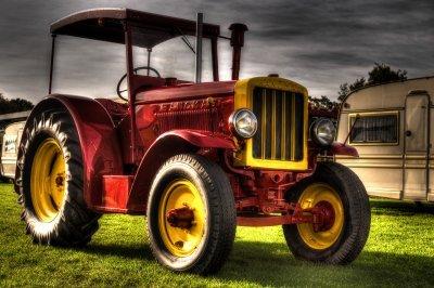 Ancien Tractor