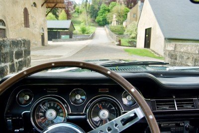 Tilly - 1967 Ford Mustang Convertible V8 - drivers view