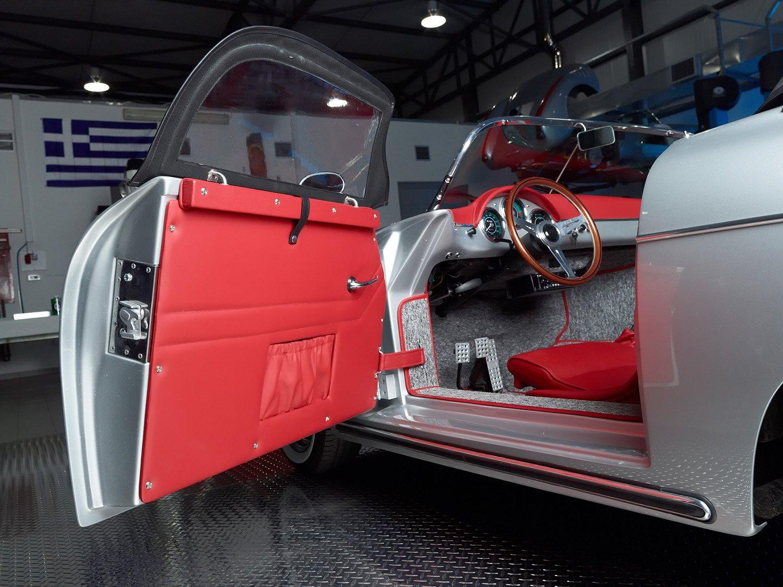 RCH 356 silver grey red door