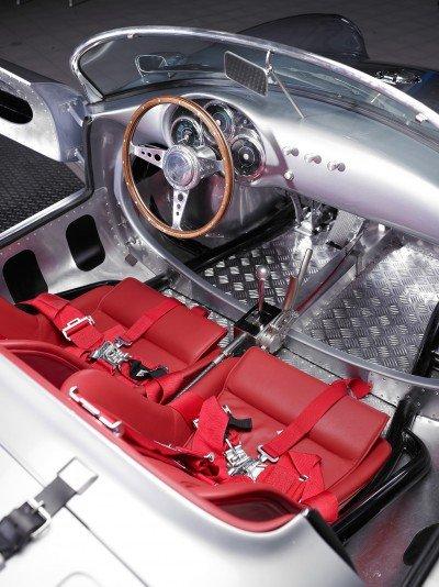 RCH 550 interior