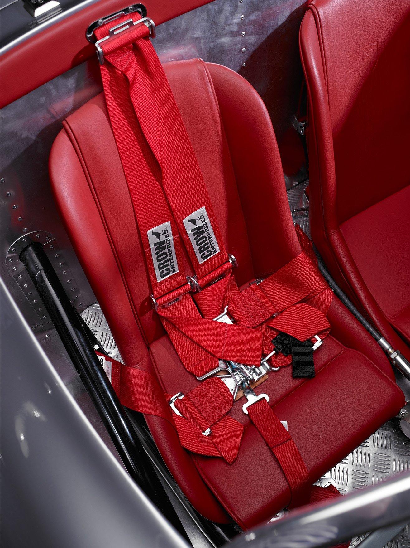 RCH 550 seatbelts