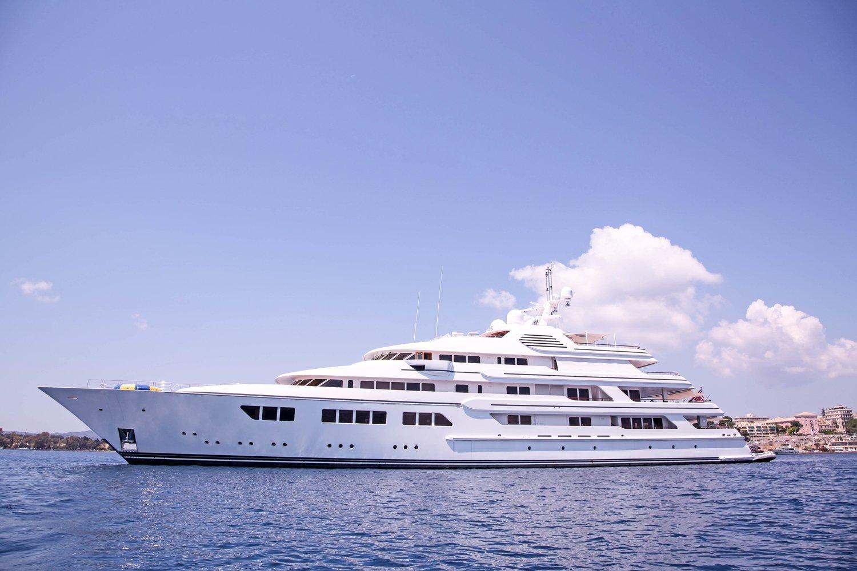 Triptyque - Yacht