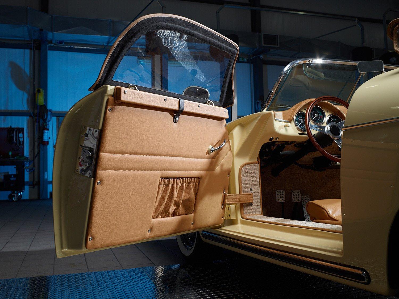 RCH 356 beige door