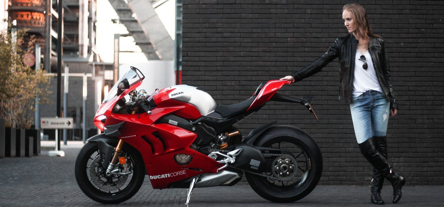 Photoshoot with Fares Hammoud Ducati Panigale V4R Luxembourg Belval Cover